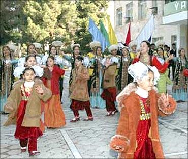 Children inTurkmenistan.