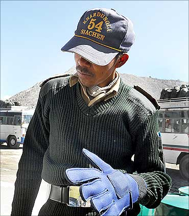 ClimaWare-gloves for military.