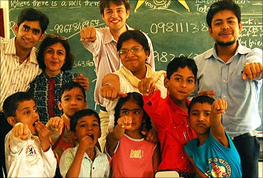 Teach for India volunteers.