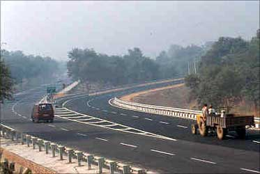 Yamuna Expressway: Land prices up 50 times!