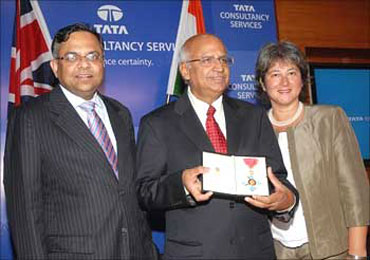 TCS CEO N Chandrasekaran (left) and former TCS chief S Ramadorai.
