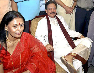 Subroto Roy, chairman of Sahara India, with his wife Swapna Roy.