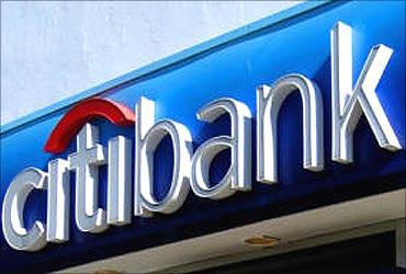 Citi to raise Pandit's pay in 2011