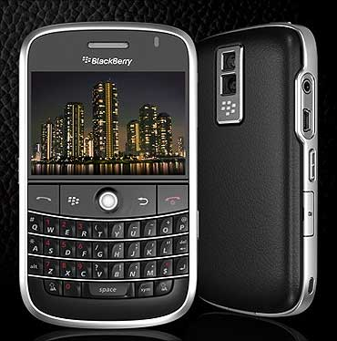 Blackberry Bold 9700.