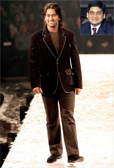 Dhoni presents a creation by Indian designers Rohit Gandhi and Rahul Khanna in 2006. Inset: Prashant Ruia.