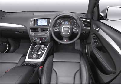 Audi Q5 interior view.