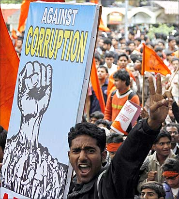 Protestors against corruption shouts slogans.