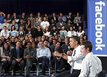 Obama at Facebook headquarters.