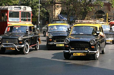 Taxis arrived in Mumbai in 1911.