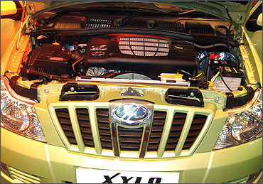 Engine of Mahindra Xylo.