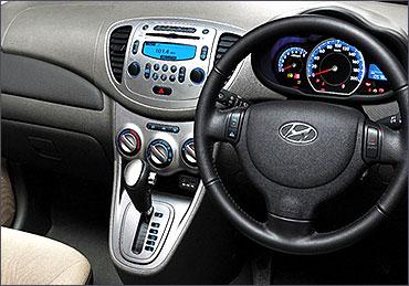 Toyota Etios Liva And Its 3 Biggest Rivals Rediff Com