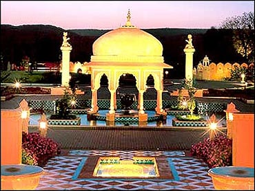 Oberoi Raj Vilas, Jaipur.