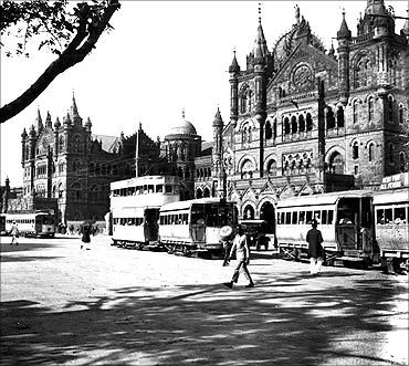 RARE images: Mumbai's infrastructure since 1864!