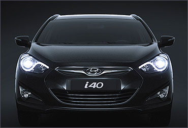 Front view of Hyundai i40.