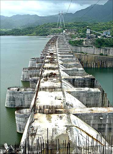 A view of the Sardar Sarovar Narmada dam at Kavadia colony.