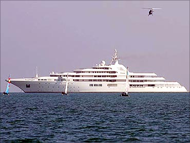 Dubai yacht.