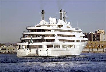 Al Salamah yacht.