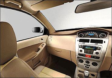 Tata Indica Vista stereo.