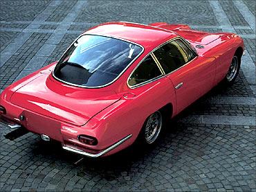350 GT Lamborghini.