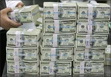 Falling Ru Begins To Hurt Dollar