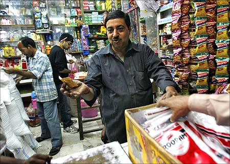 FDI in retail: No rollback, says govt; deadlock on