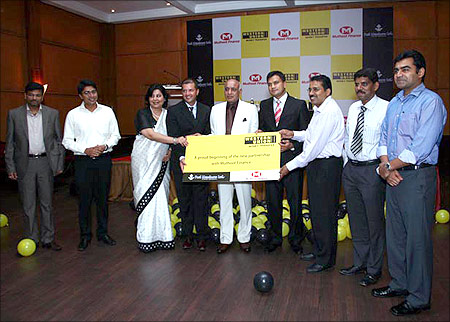 Muthoot launches Western Union money transfer.