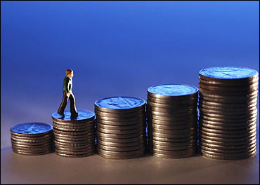 Employees to get 14% average pay hike in 2012