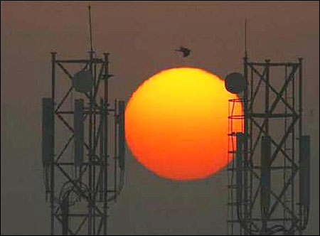 3G roaming: Telcos suppressed facts, says DoT