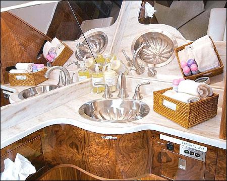 Gulfstream IV washroom.