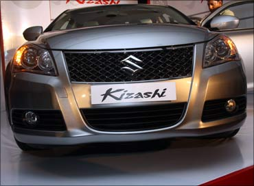 The stunning Maruti Kizashi is here, at Rs 16.5 lakh!
