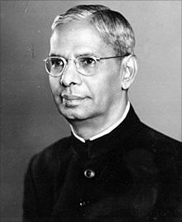 R K Shanmukham Chetty.
