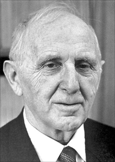 Simon Kuznets.