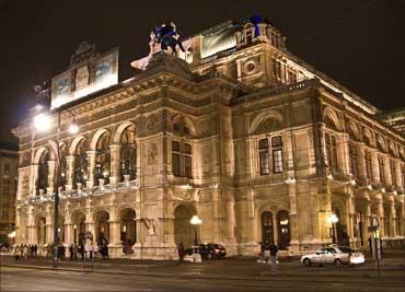 The Vienna State Opera (Wiener Staatsoper).