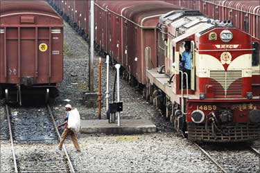 Rail Budget 2013: Rail freight for grains, pulses, groundnut oil up by 6%
