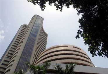 FIIs pump $21 bn in Indian stocks in 2012