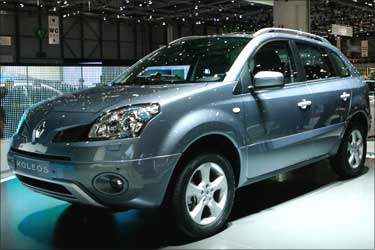 A Renault Koleos is displayed.