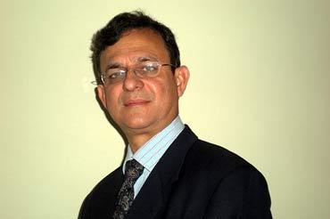 Dr Chetan E Chitnis