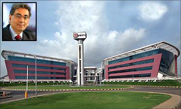 Patni Computers, Narendra Patni (inset).