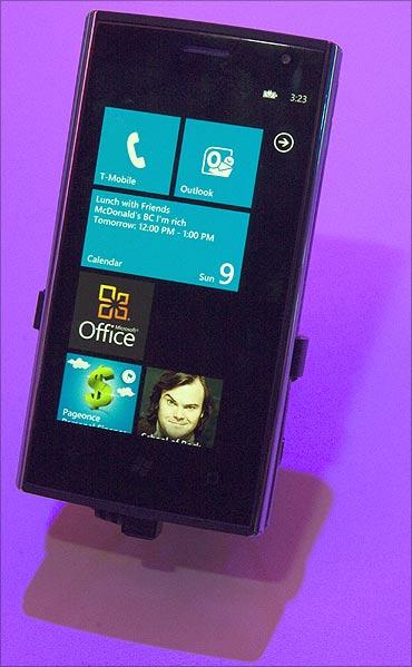 Dell Venue Pro smartphone.