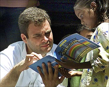 Rahul Gandhi talks to school girl in Amethi.