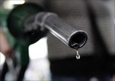 Petrol rates soar, but IOC wants bigger hike