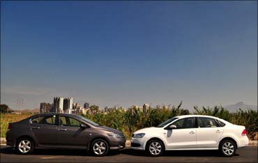 Volkswagen Vento vs Honda City AT! Which is better?