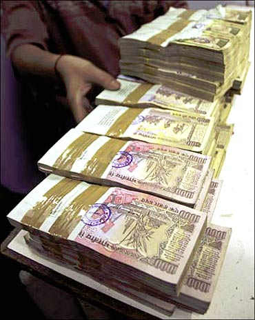Indians richer! Per capita income at Rs 46,492