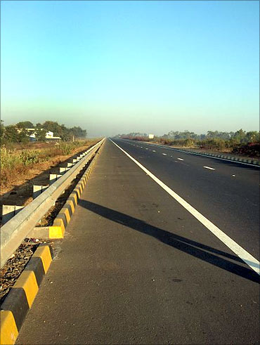 Ahmedabad Vadodara Expressway.