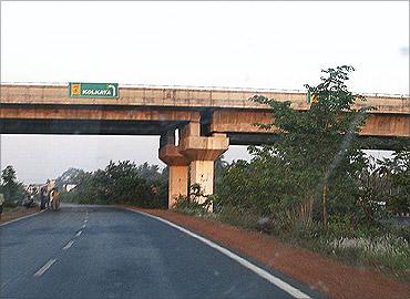 Kona Expressway.