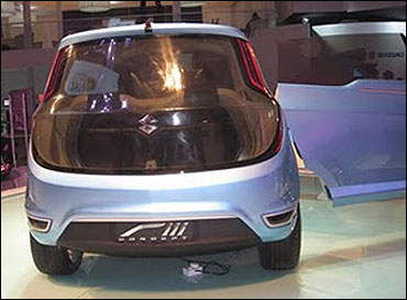 Rear view of Maruti RIII.