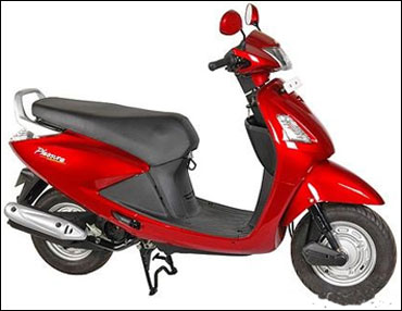 Hero scooters to race against Honda