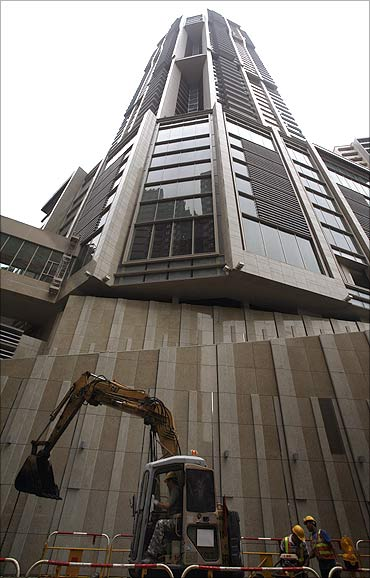 39 Conduit Road, a luxurious residential building developed by Henderson Land Development in HK.
