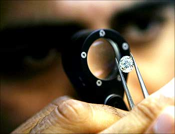 Blasts: Diamond merchants want special security