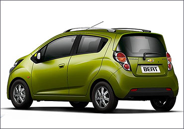 Chevrolet Beat cross side view.